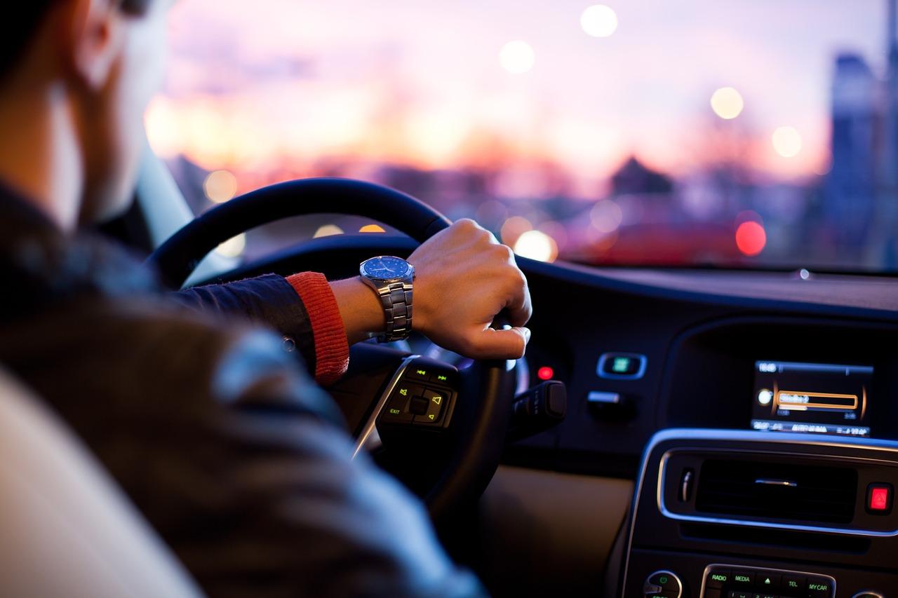 交通事故治療について  頭痛、腰痛、むちうち症なども対応